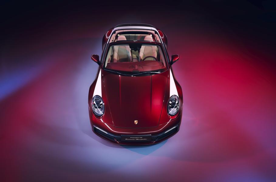 У нового Porsche 911 появилась коллекционная модификация 1