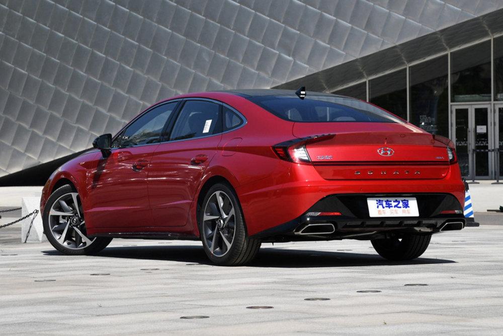 Новая Hyundai Sonata получила удлиненную версию 3