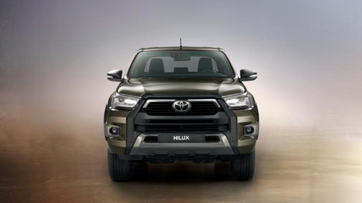 Toyota презентовала пикап Hilux, с 200-сильным двигателем 1