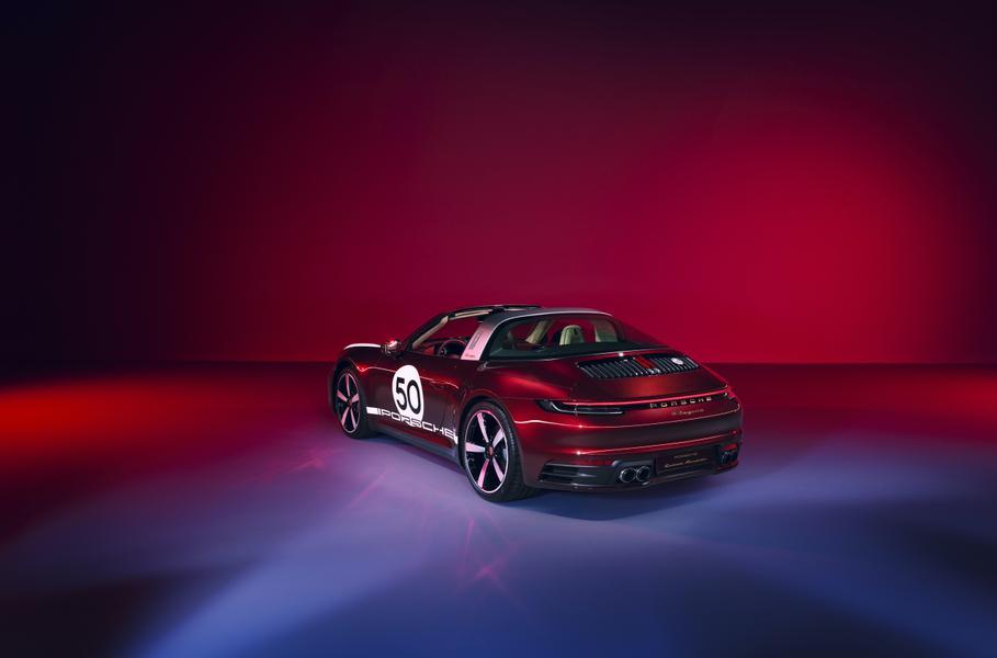У нового Porsche 911 появилась коллекционная модификация 3