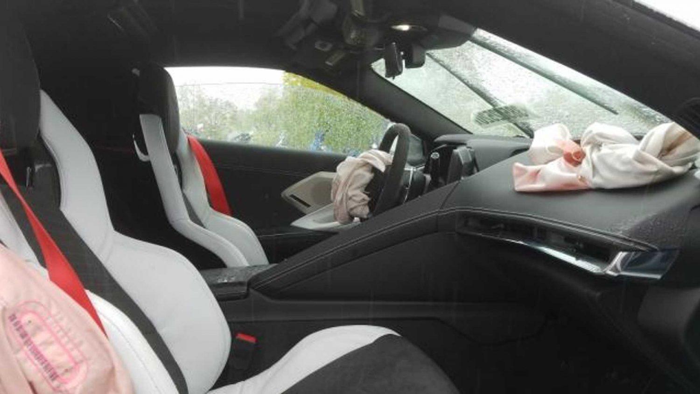 Разбитый Chevy Corvette C8 продают за 107млн. долларов 3