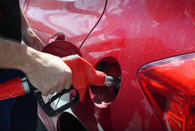 Специалисты рассказали, когда и на сколько подорожает бензин в Украине 3
