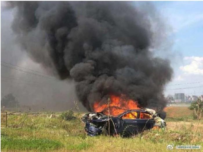 Проблемы в системе автопилота: Tesla самостоятельно разогналась и взорвалась с владельцем внутри 1