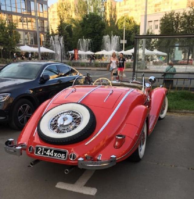 В Украине заметили уникальный довоенный родстер Mercedes 2