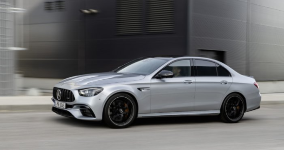 Mercedes вывел на украинский рынок две модели: Подробности и фото 1