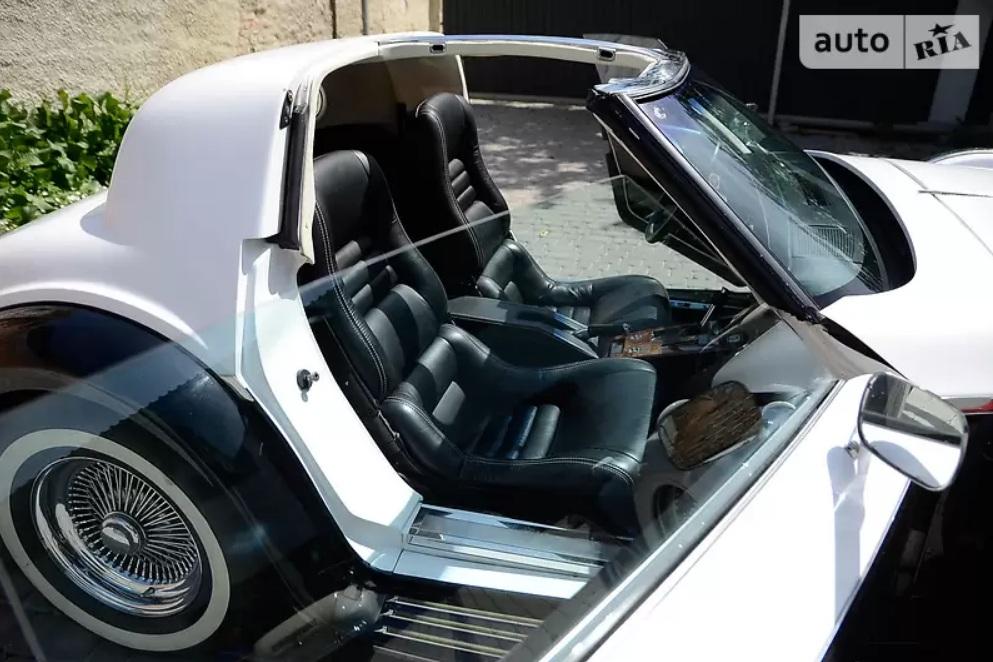 В Украине продают очень крутой и очень редкий американский ретро-автомобиль 3
