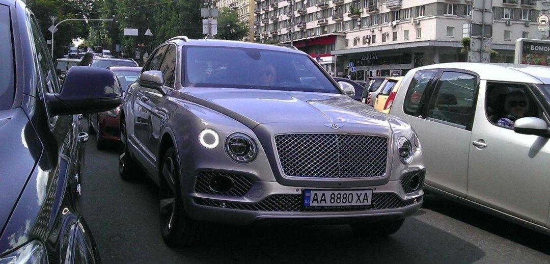 В Украине замечен новейший внедорожник Bentley Bentayga 1