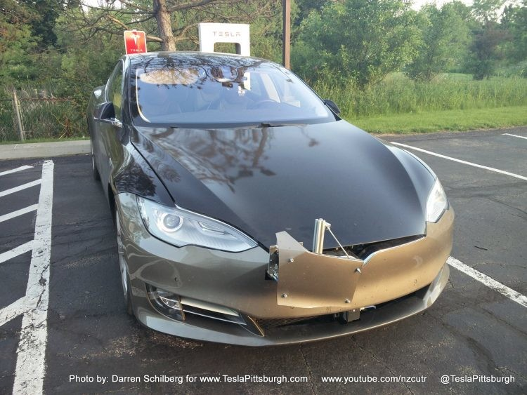 Компания Tesla показала новую модель с «автопилотом второго поколения» 2