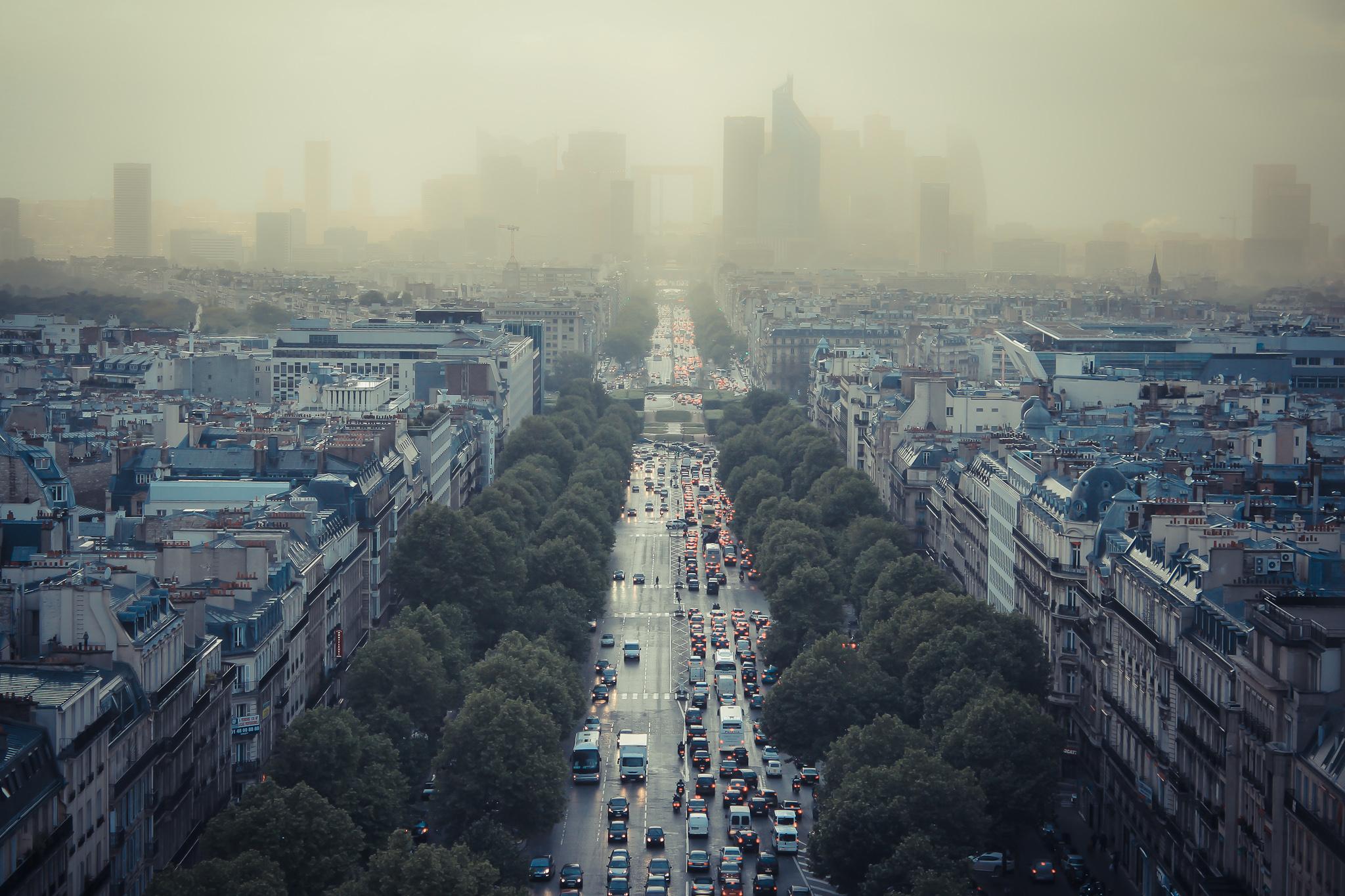 В Париже ограничат передвижение на старых авто 3