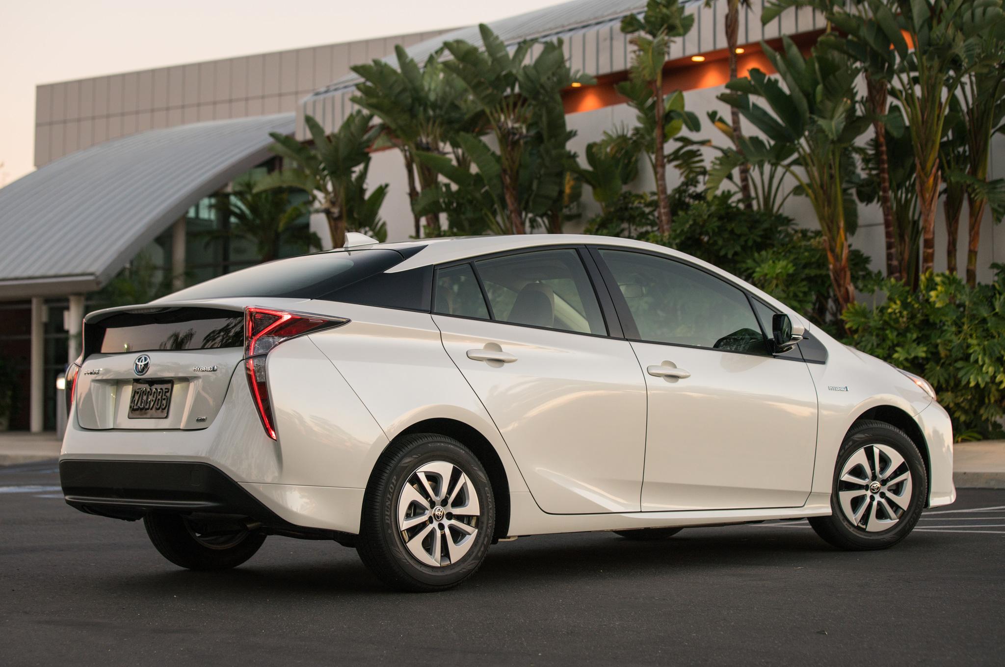 Toyota Prius стала самым экономичным авто в отношении расхода топлива 1