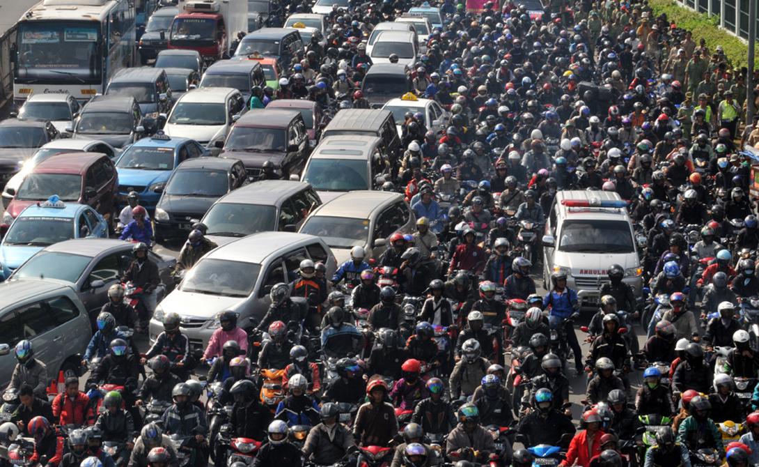 Из-за экологического кризиса на улицы столицы Мексики не выехало два миллиона автомобилей 1
