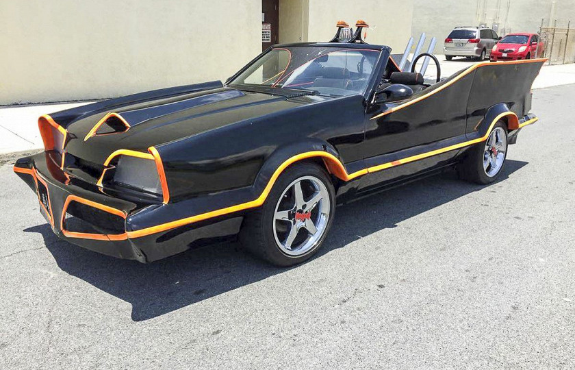 Американец выставил на продажу Ford Mustang «для Бэтмена» 2