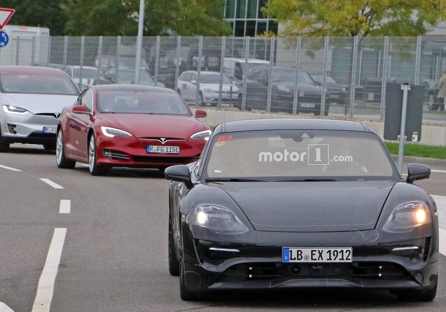 Прототип Porsche Mission E замечен на дорогах 2