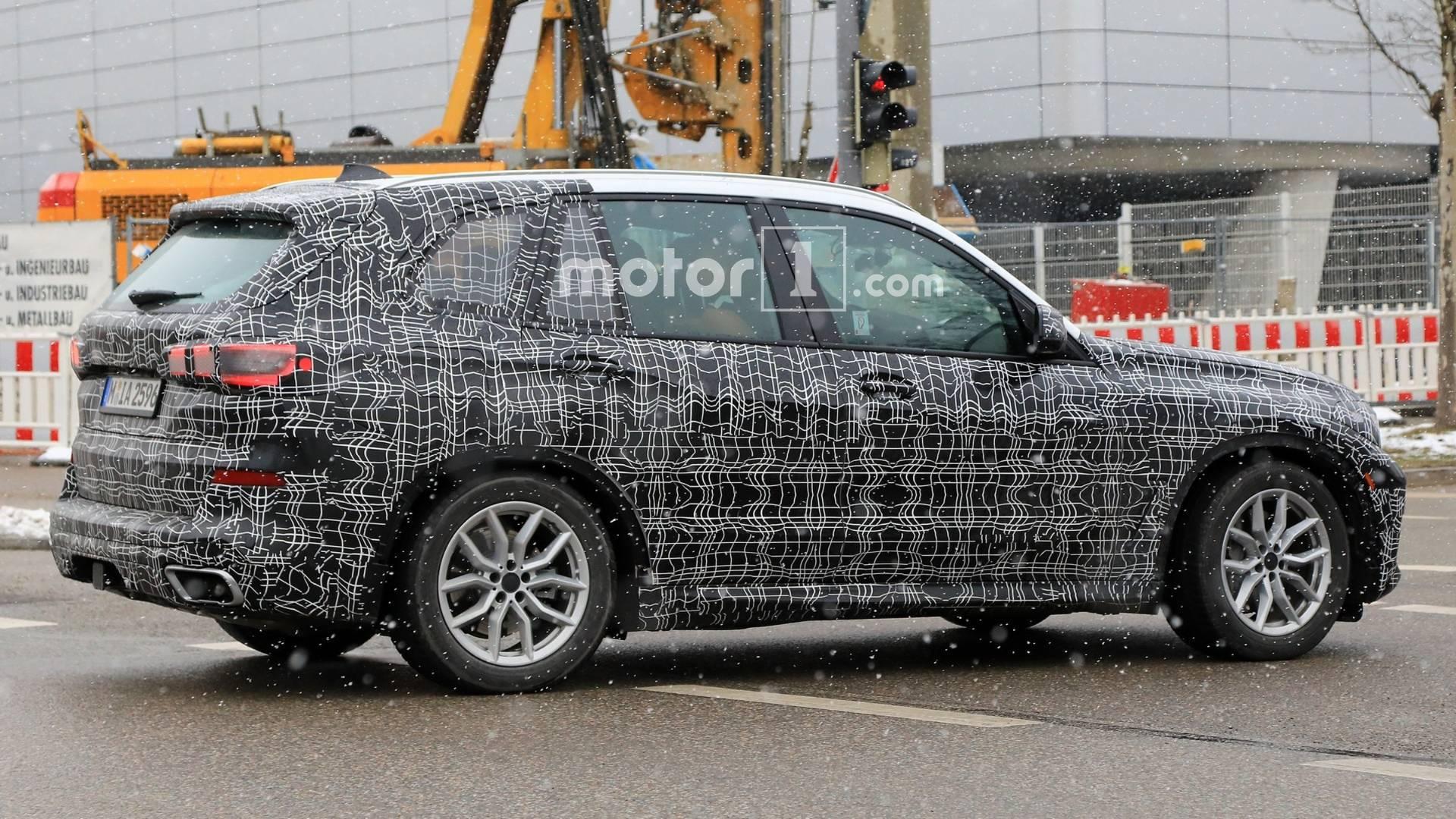Фотошпионы «засекли» новый BMW X5 2