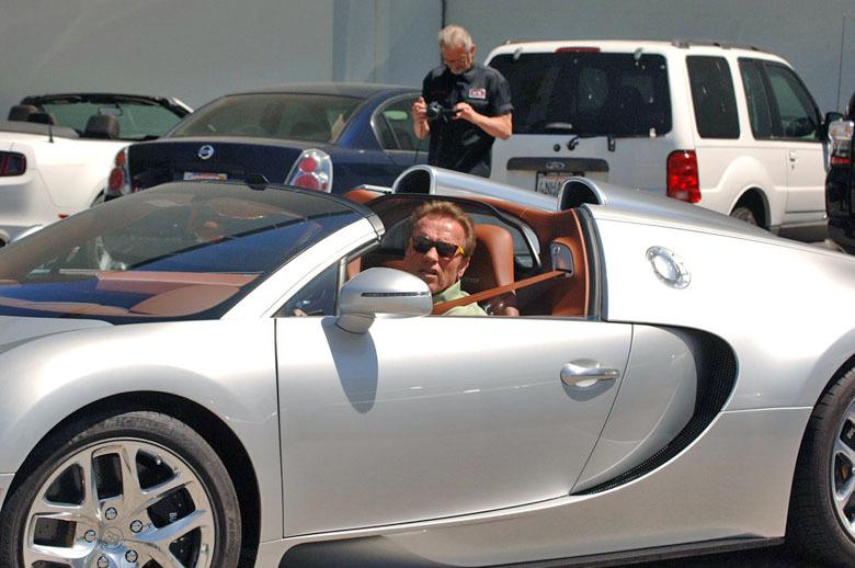 Какой он, среднестатистический водитель Bugatti 2