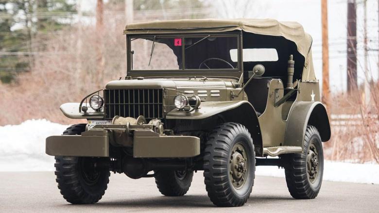 Два легендарных военных автомобиля из США пустят с молотка 1