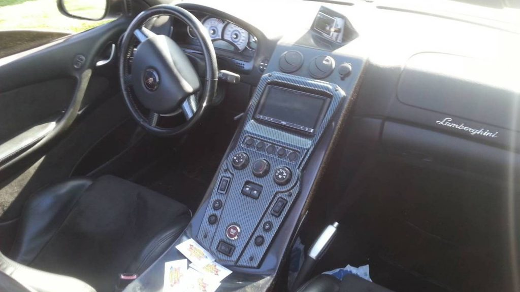 На продажу выставили Lamborghini по цене VW Golf 1