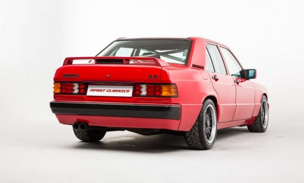 Старый «Мерседес» продают по цене нового спорткара 2