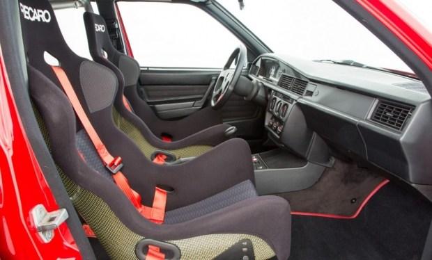 Старый «Мерседес» продают по цене нового спорткара 4