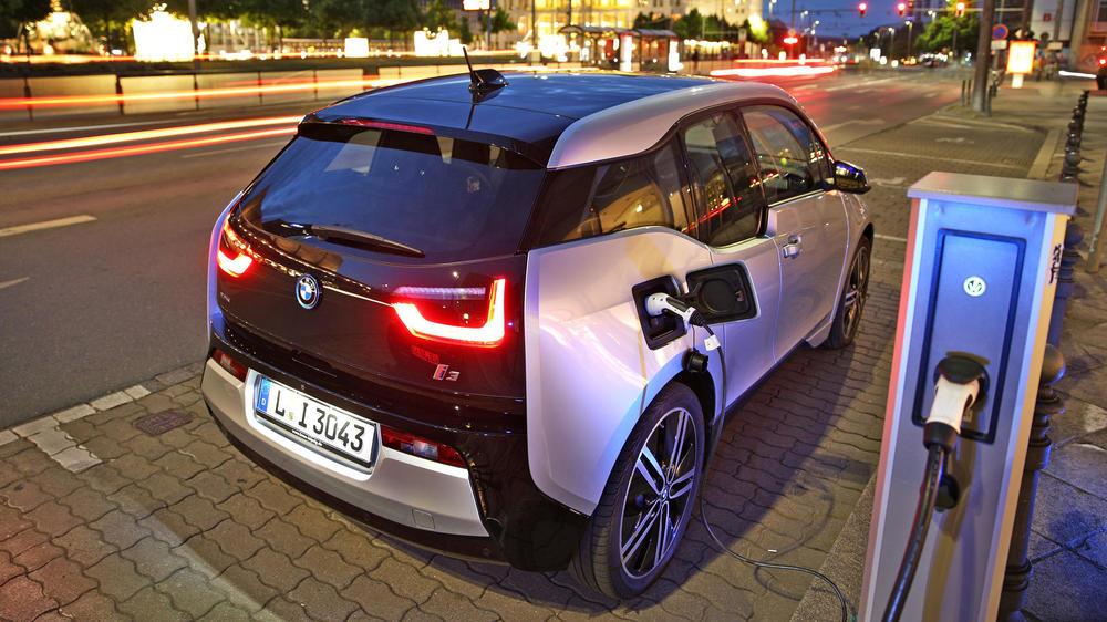 BMW, Renault и Hyundai откроют в Украине свою сеть зарядных станций 1