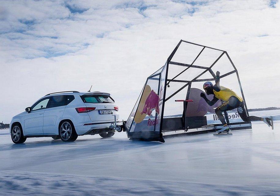 Конькобежец установил рекорд скорости с помощью автомобиля Seat 1
