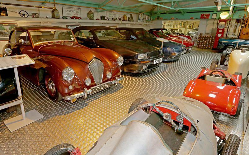 Британец собрал крупнейшую в Европе коллекцию автомобилей 2