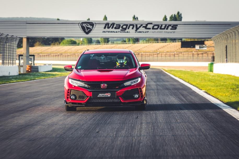 Honda Civic Type R стал рекордсменом среди переднеприводных автомобилей 2