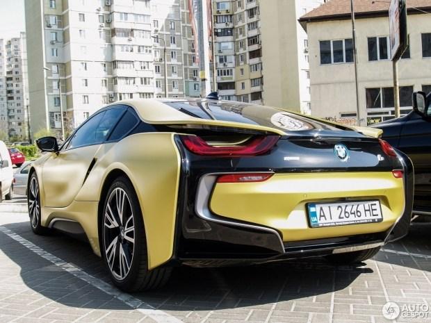 В Украине замечен редчайший BMW 2