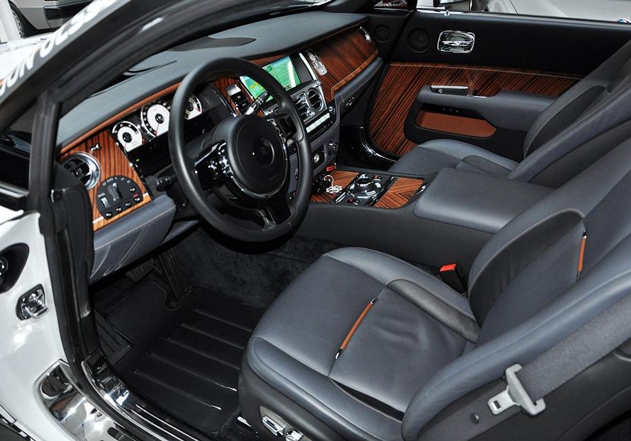 812-сильный Rolls-Royce Wraith для бернаута выставили на торги 3