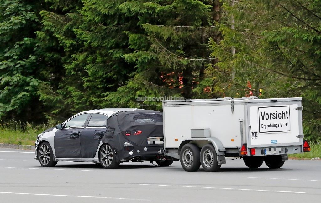 Kia Ceed GT попался фотошпионам с буксируемым трейлером 2