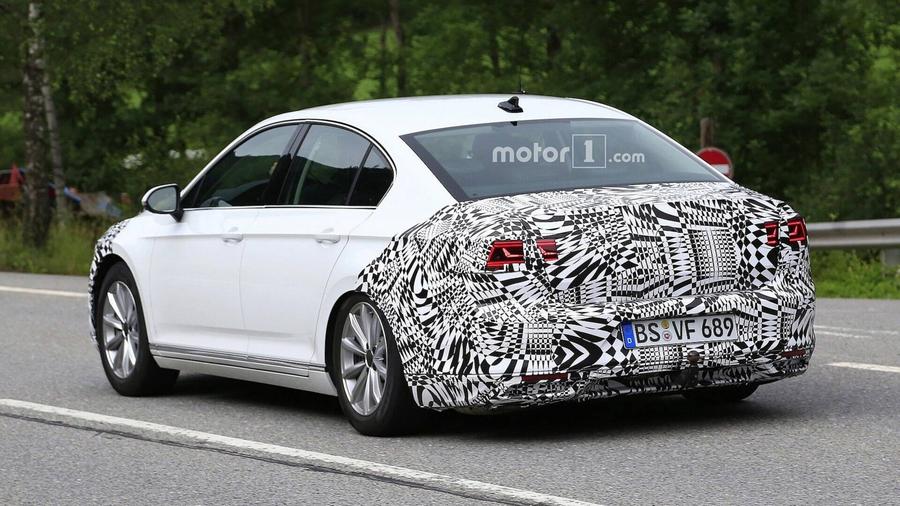 Volkswagen Passat 2019 модельного года выехал на тесты 2