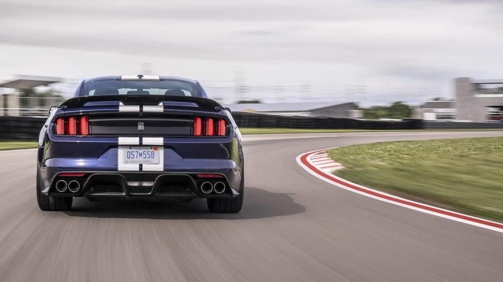 Ford Mustang Shelby GT350 поменял спойлер на антикрыло после обновления 3