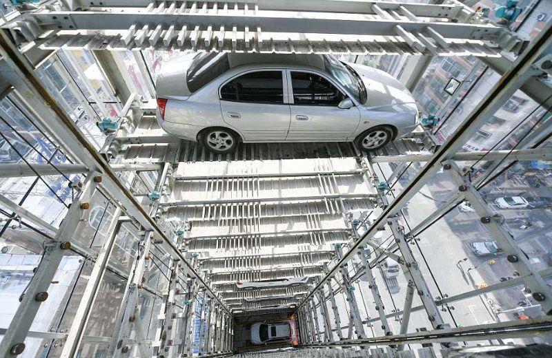 Китайцы построили самый высокий паркинг в мире 2