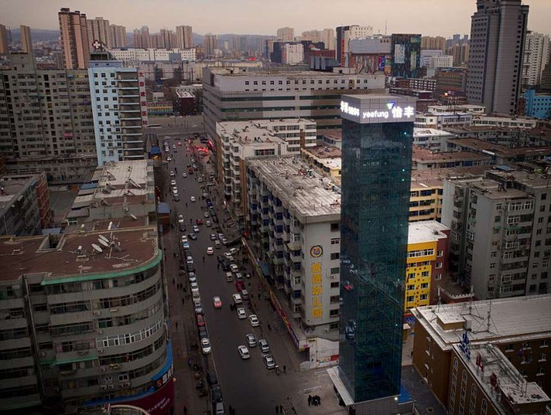 Китайцы построили самый высокий паркинг в мире 1