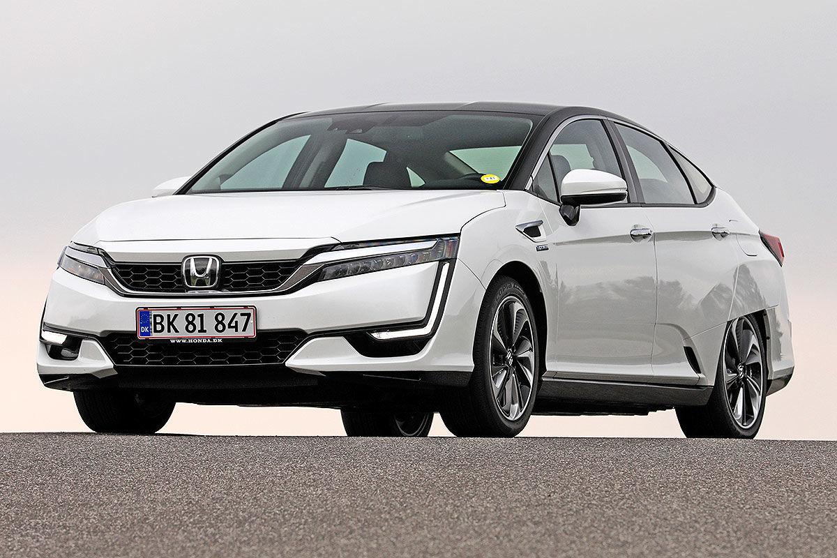 «Будущее наступило»: тест-драйв водородомобиля Honda Clarity 1