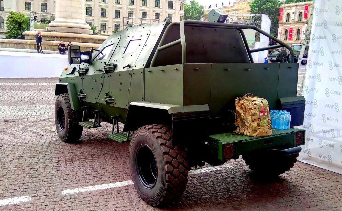 В Грузии построили новый патрульный бронеавтомобиль 2