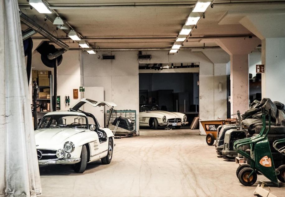 Два Mercedes-Benz 300 SL, простоявших в гараже 50 лет, продадут на аукционе 1