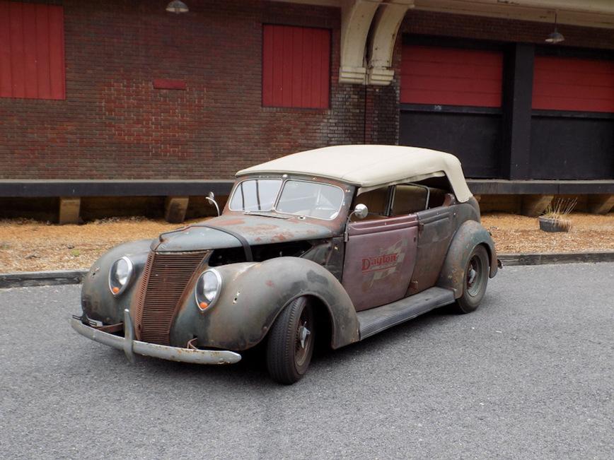 Ford Phaeton 1937 года получил вторую жизнь 2