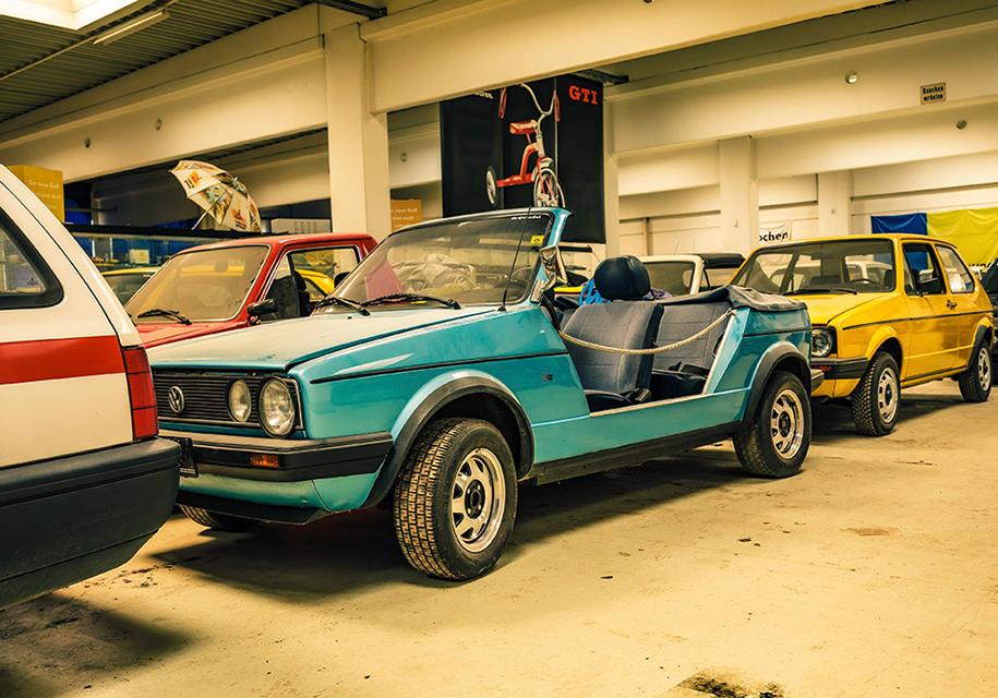 Трубочист собрал коллекцию из 114 экземпляров VW Golf 2