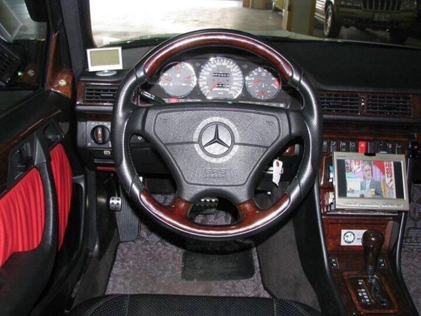 В Японии замечен редчайший Mercedes-Benz E62 AMG 2