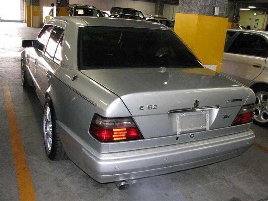 В Японии замечен редчайший Mercedes-Benz E62 AMG 1