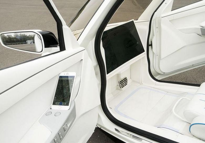 Китайцы тестируют двухколесный «беспилотный» автомобиль 3