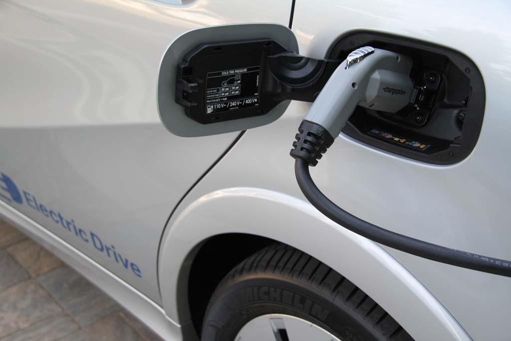 Нардеп предложил добавить в КВЭД услугу зарядки аккумуляторов электромобилей 1