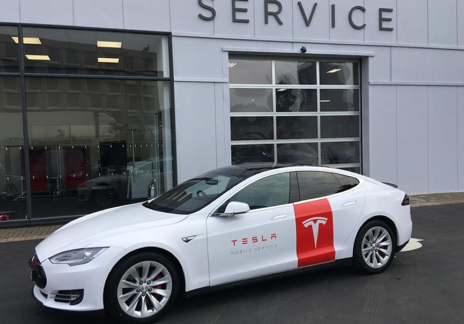 Из Tesla Model S сделали «технички» 1