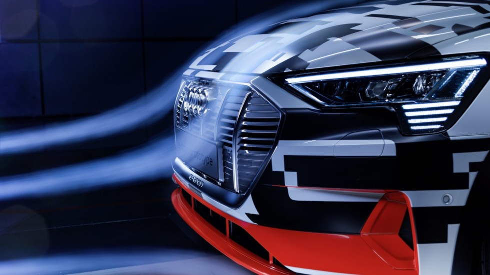 У серийного кроссовера Audi e-tron не будет боковых зеркал 1