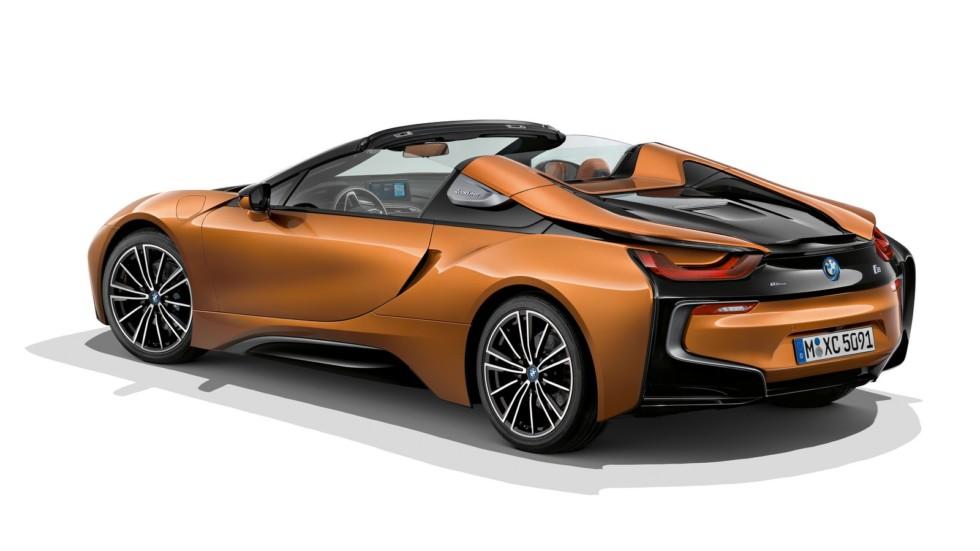 BMW «освежила» линейку 2018 модельного года 3