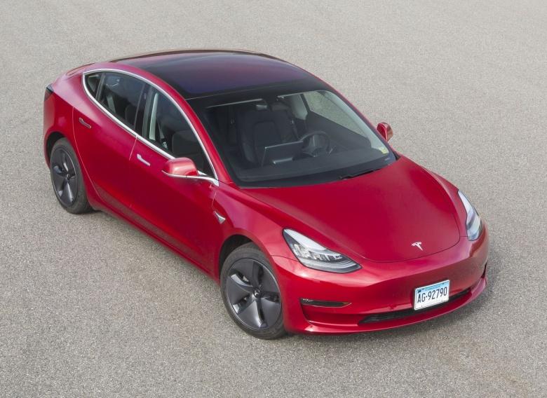 Американцы «в пух и прах» разнесли Tesla Model 3 1