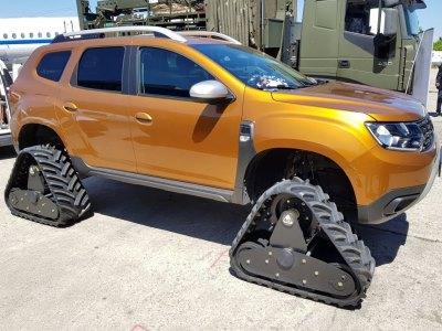Dacia Duster превратился в гусеничную «танкетку» 1