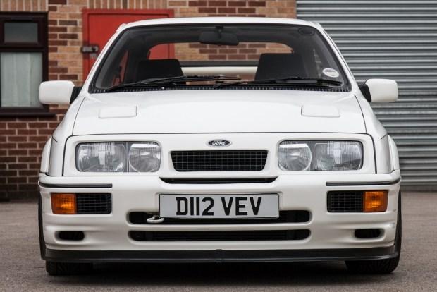 Старый Ford Sierra продадут по цене нового BMW M5 1