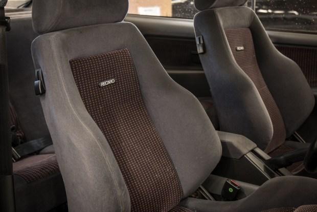 Старый Ford Sierra продадут по цене нового BMW M5 4